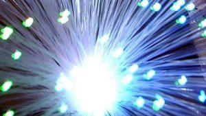 internet rápida, nova velocidade permite baixar 500 filmes em um segundo